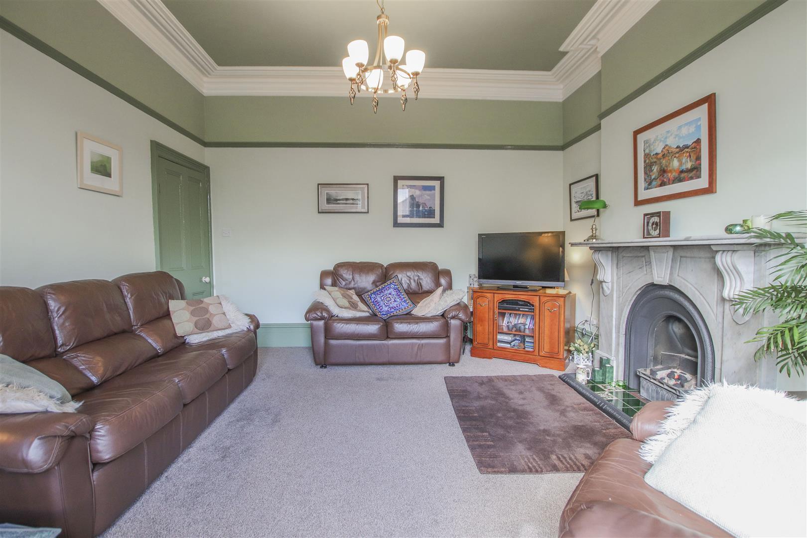 3 Bedroom Mid Terrace House For Sale - 30.JPG